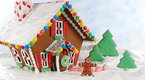 Howcast Food & Drink: How To Make an Easy Gingerbread House