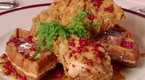 Throwdown with Bobby Flay: Chicken and Waffles Throwdown (season 4, episode 5)