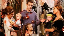Guys with Kids: Apartment Halloween